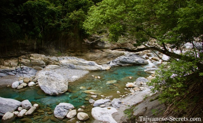 Hiking in Taroko Gorge