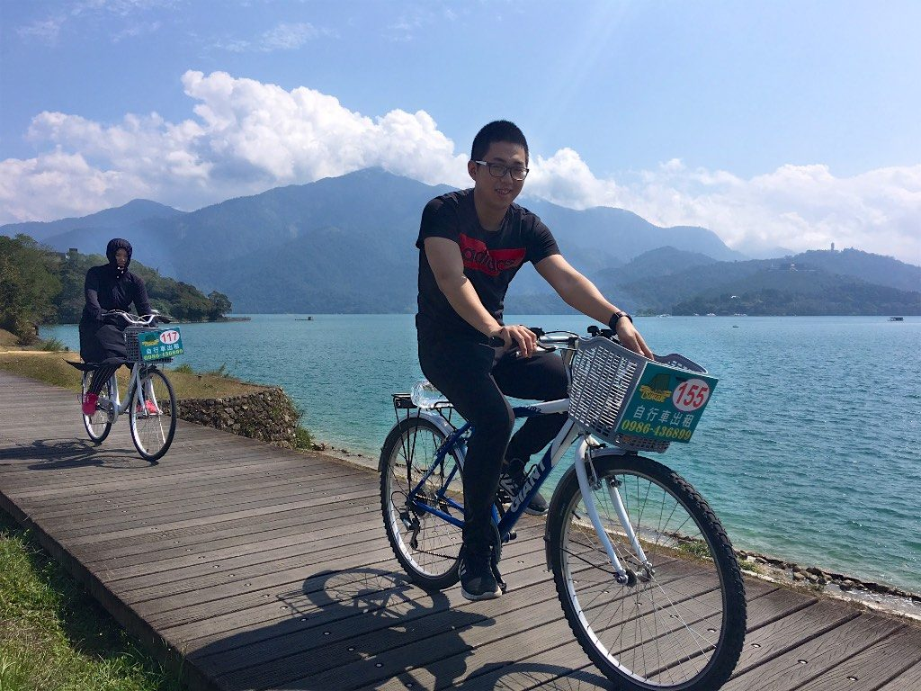 Cycling around Sun Moon Lake in Taiwan 日月潭台灣,騎腳踏車