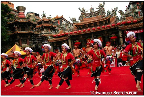 traditional chinese dancers